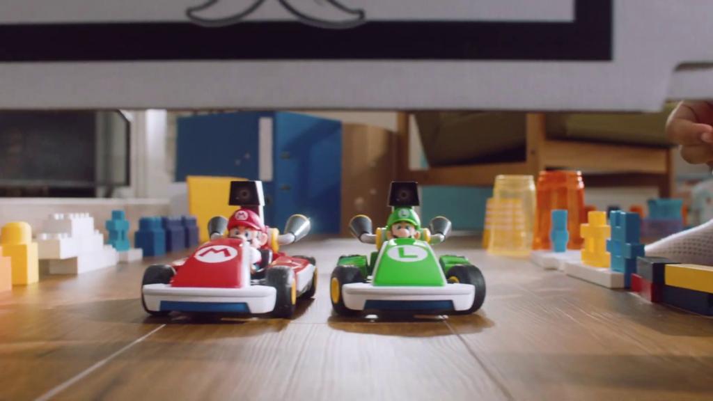 Mario Kart Live Home Circuit mistura carros controlados a distância com circuitos dinâmicos no ambiente. (Imagem: Divulgação)